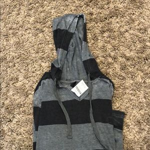 Other - Men's hooded shirt